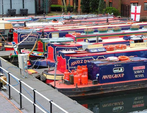 What's the difference between a Barge & a Narrowboat?